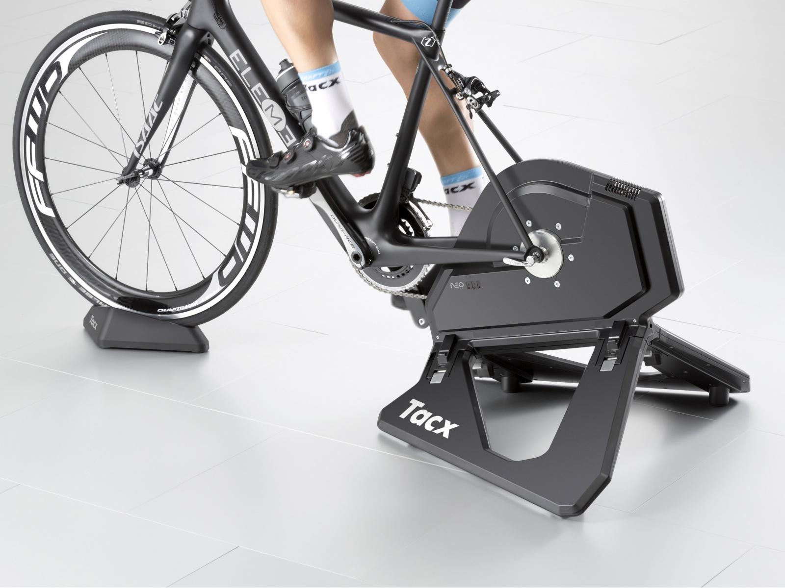 TACX Cyklotrenažér T2800 Neo Smart (černá)
